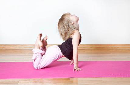 enfant-yoga-ecole