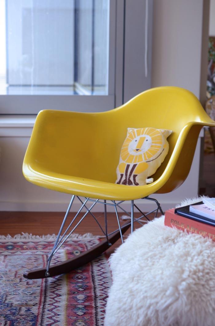 Yellow Monblogyoga