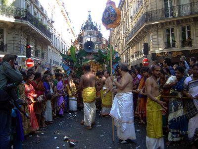 1024px-Ganesh_Paris_2004_DSC08471