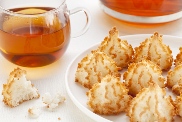 tea and coconut macaroons